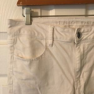 American Eagle Super Stretch White Jeans